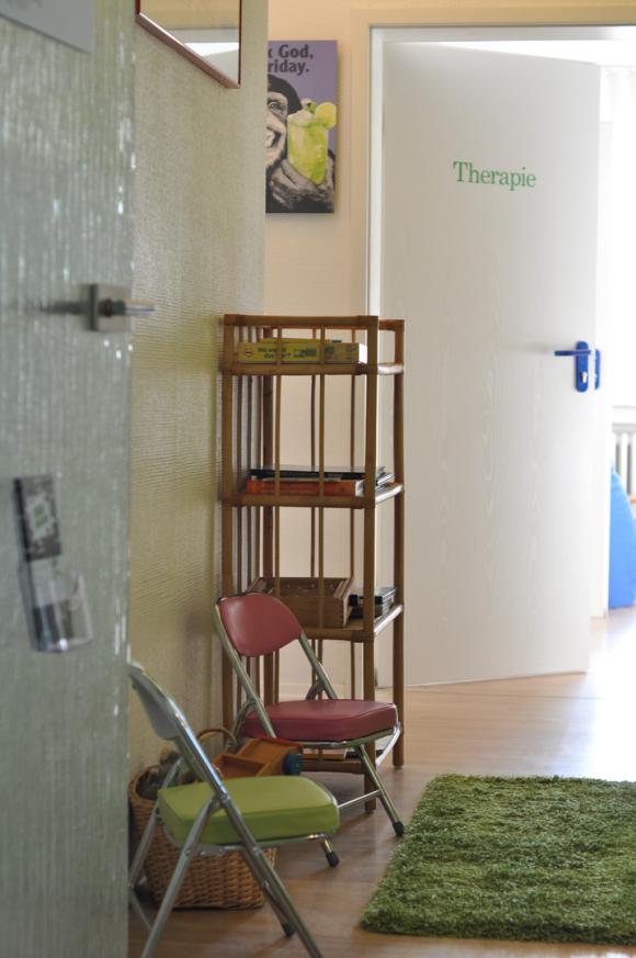 Eingangsbereich, Wartezimmer, Kinder und Erwachsene,